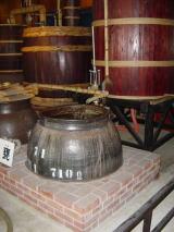 木樽の蒸留機(濱田屋伝兵衛)